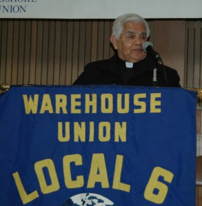 Retired Monsignor Antonio Valdivia from the Oakland Diocese offering the opening prayer at the Convention. He also talked about his father, a member of Local 6 that participated in the early struggles at C&H Sugar.